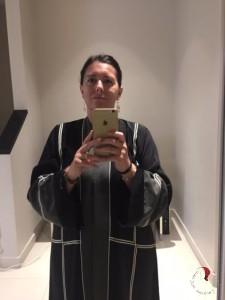 giovanna-shopping-abaya