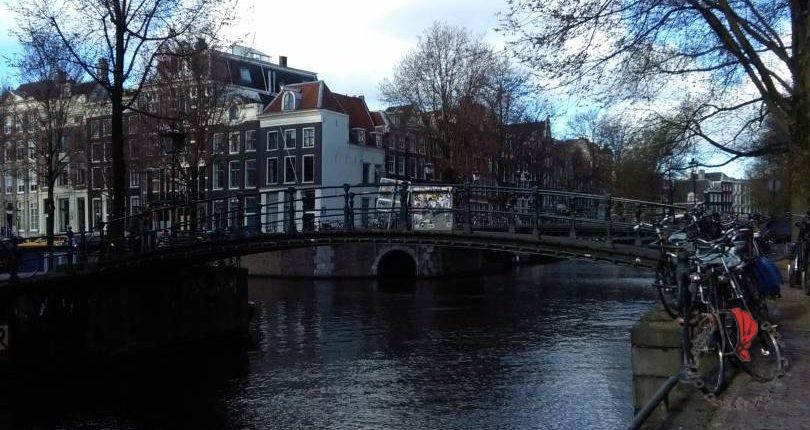 paesaggio-olandese-biciclette-canali