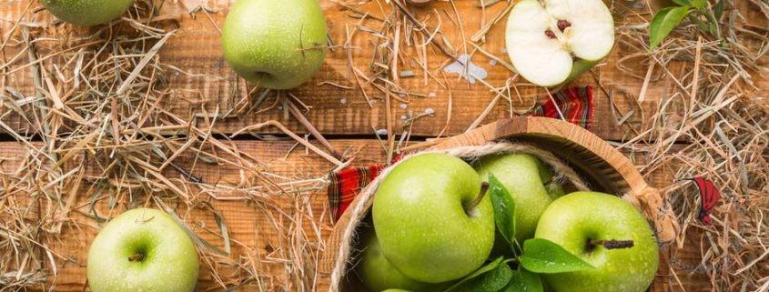 mele su un tavolo