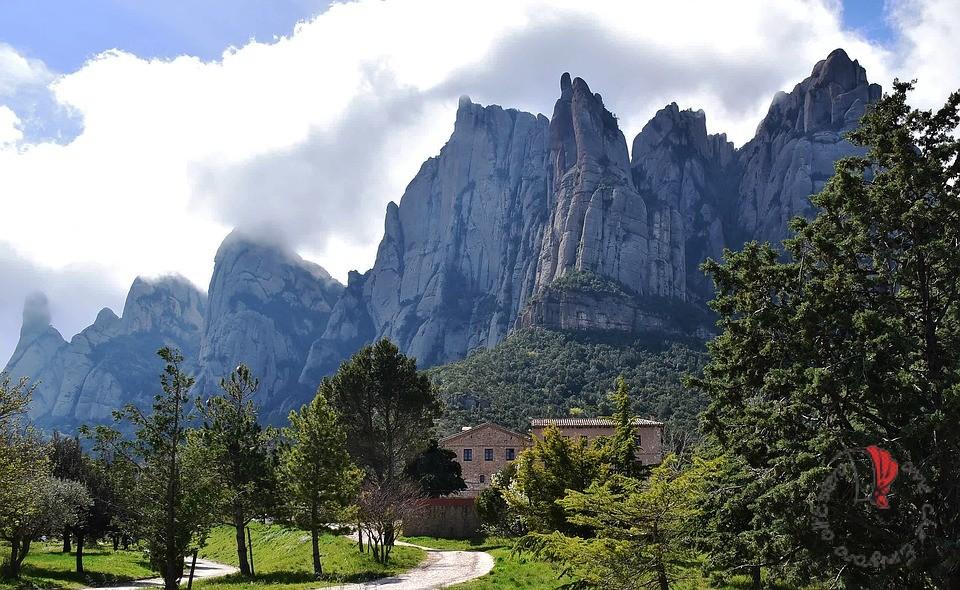 Montserrat-paesaggio-Spagna