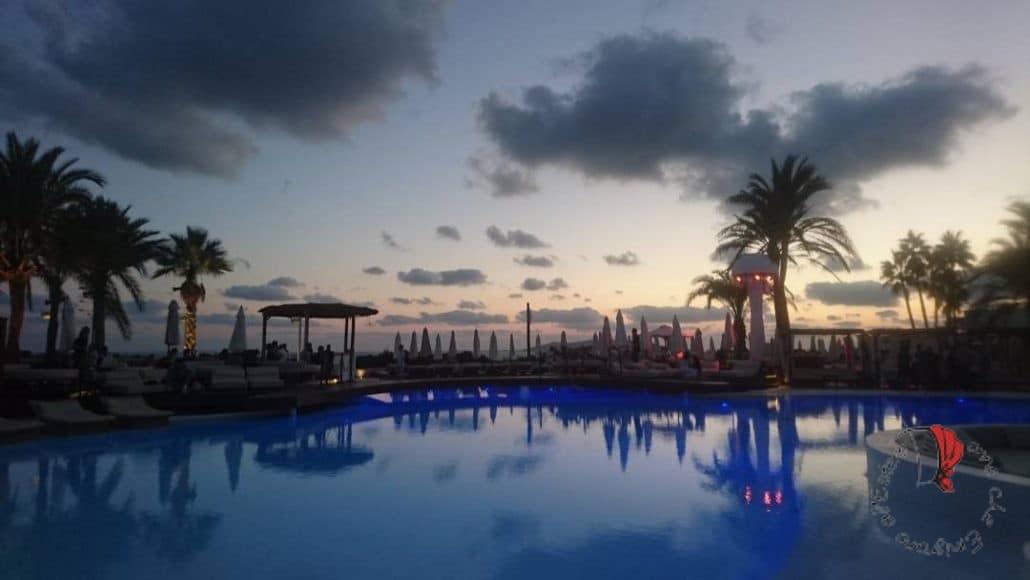piscina-Ibiza-tramonto
