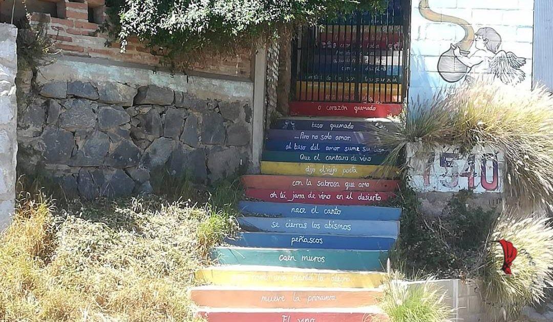 Cile-scalinata-colorata