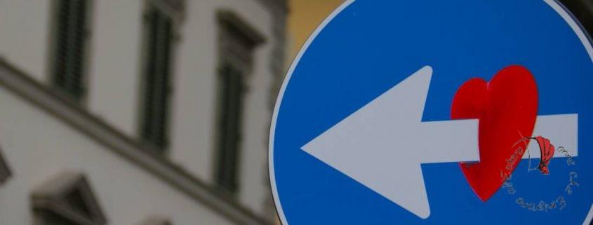 cuore-cartello-stradale