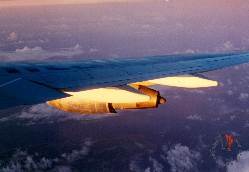 aereo-motori-tramonto