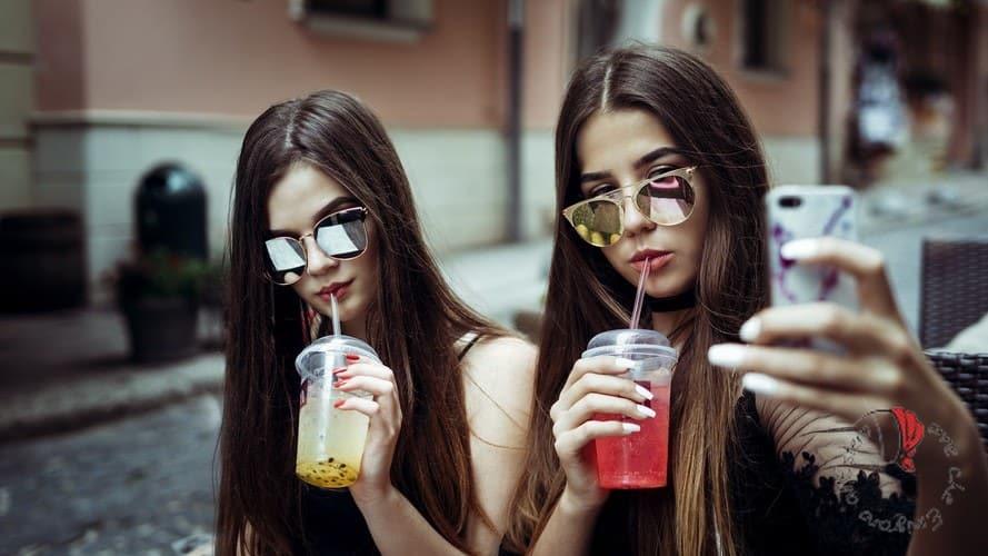 ragazze-adolescenti-selfie