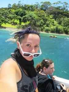 selfie su barca molto carina e colorata