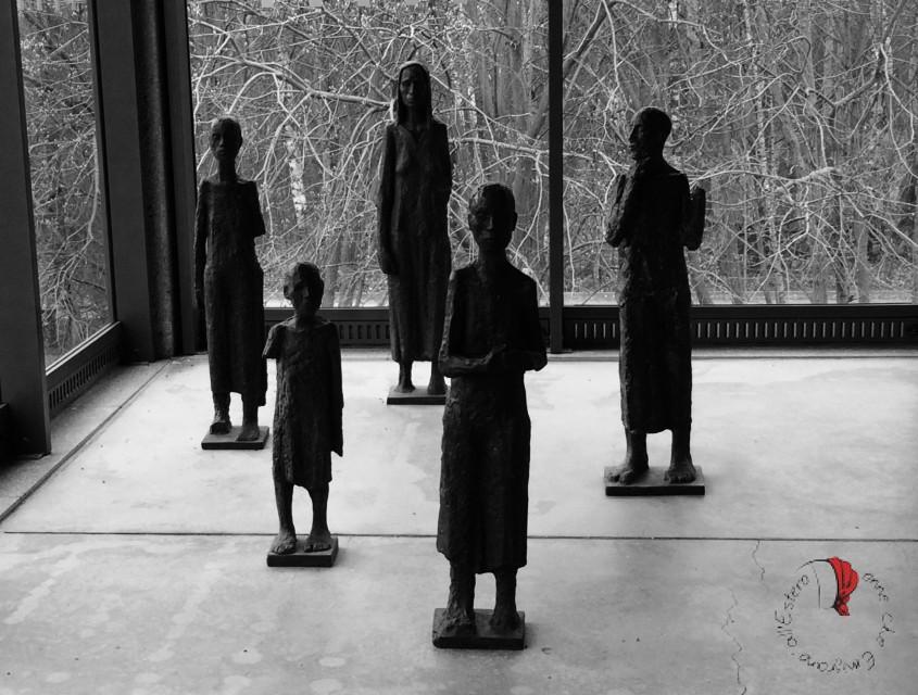 Buchenwald: esposizione di arte pre, post e durante la prigionia