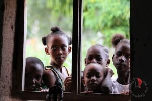 bambini-finestra