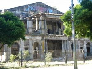 Teatro Molina a Concepción, danneggiato dal terremoto del 1960