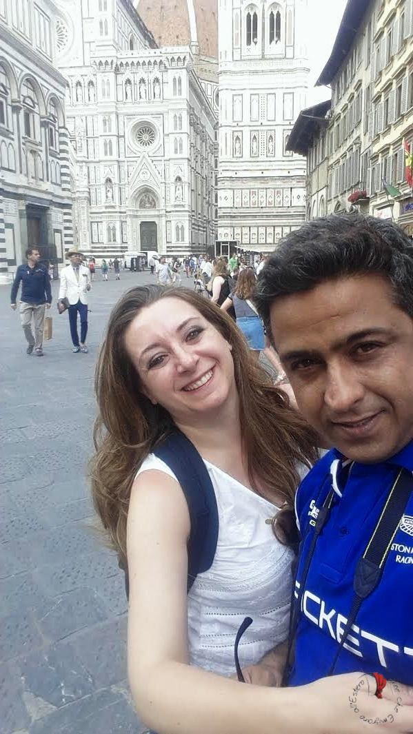 "Due turisti ""indiani"" in Italia - Donne che emigrano all'estero"
