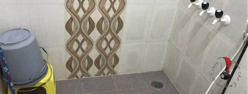 L'angolo doccia del bagno della camera di Katia