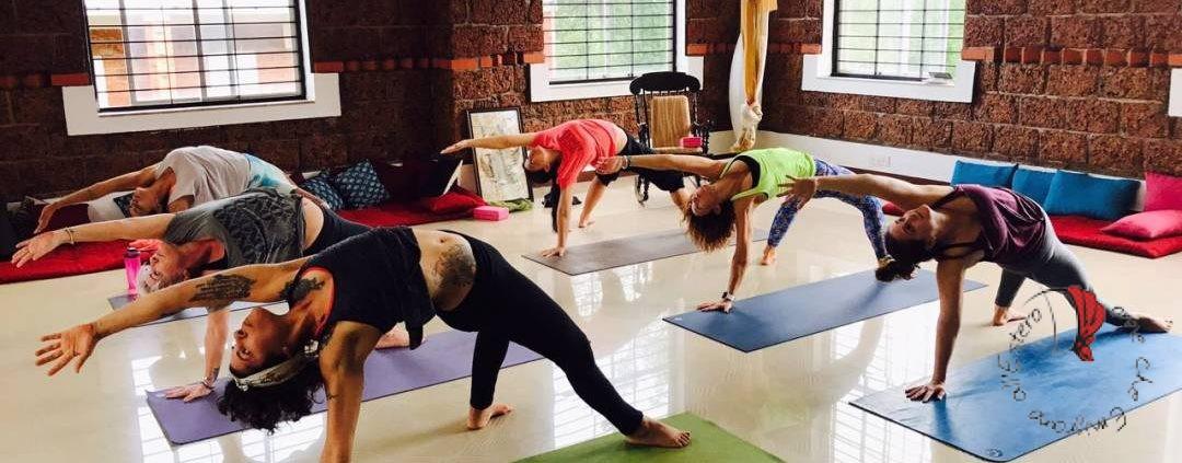 La nostra classe nella pratica quotidiana di asana, parte fondante del training