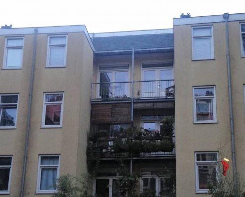 una tipica casa olandese vista da dietro