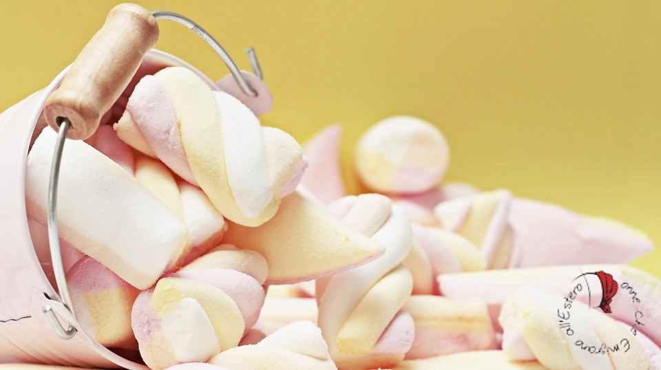 secchiello-marshmallows-caramelle