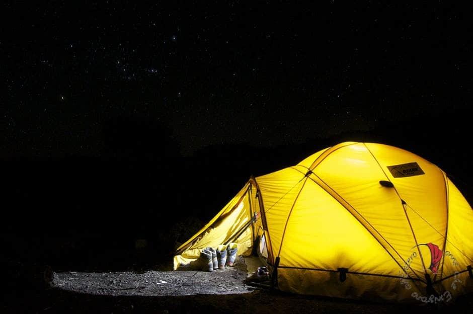 campeggio-notte-tenda