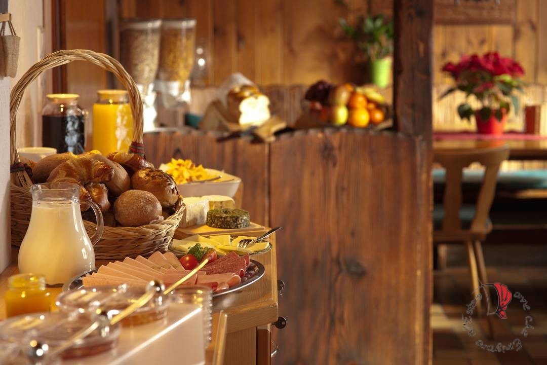 buffet-colazione-albergo