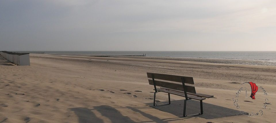 panchina-sabbia-mare