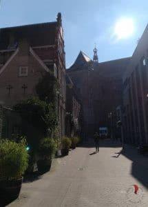 sole-arnhem-olanda-cielo blu
