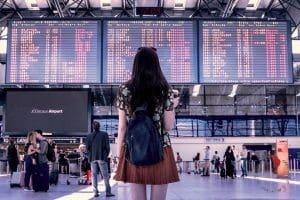 ragazza-aeroporto
