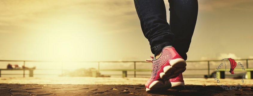 scarpe-gambe-camminare