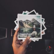 mano-polaroide-uncomplicate-yourself