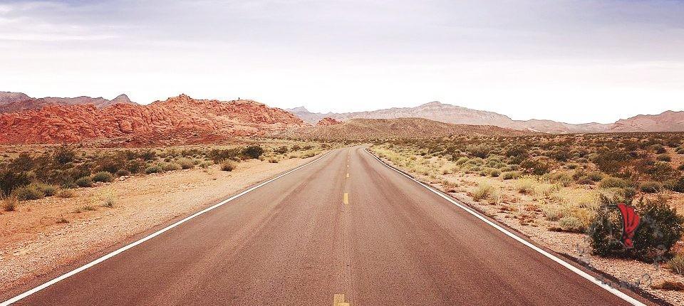 viaggio-strada-solitaria