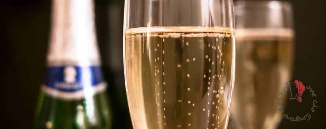 champagne-bottiglia-bicchiere