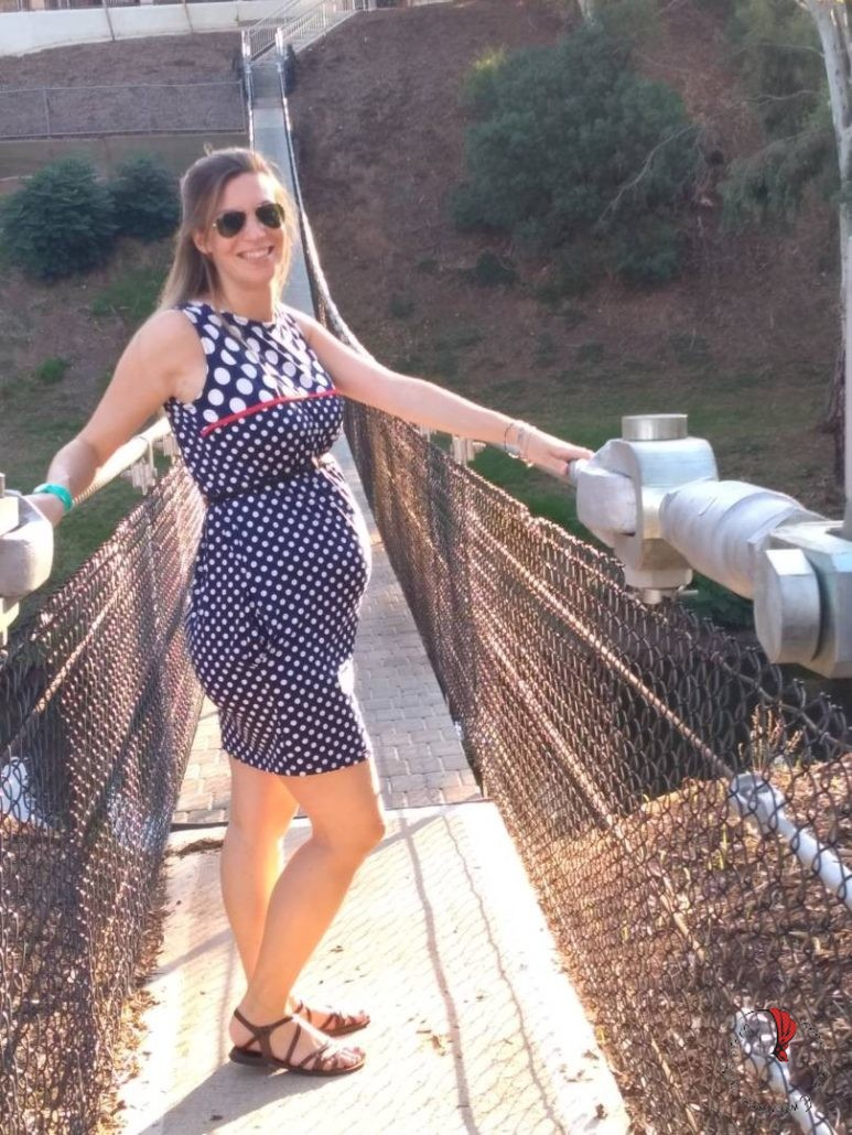 ragazza-incinta-ponte