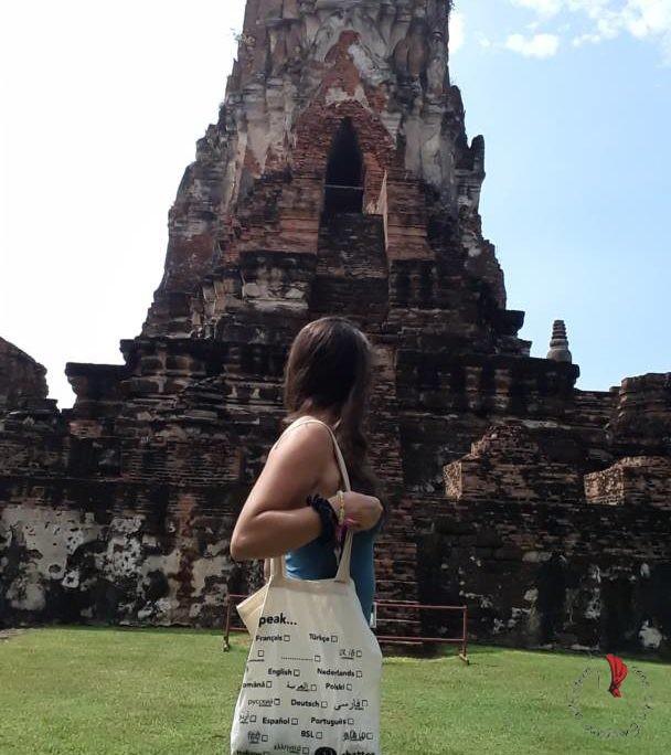 ragazza-viaggio-asia