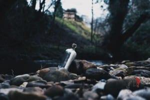 bottiglia-lettera-acqua