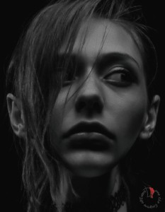ritratto-ragazza-perplessa
