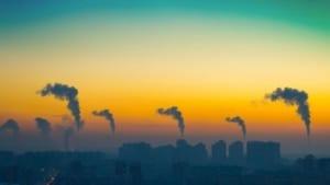 ciminiere-industriali-tramonto