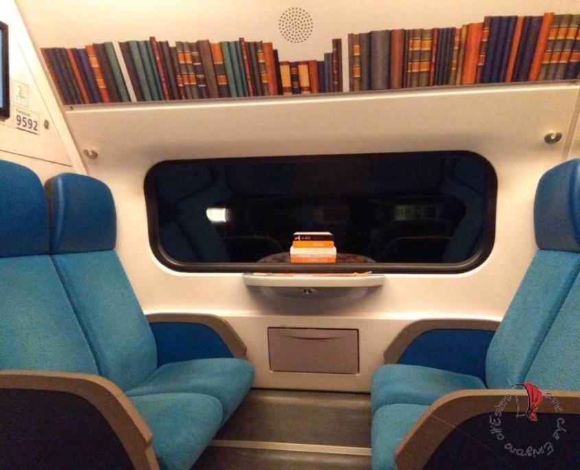 interno-treno-salotto