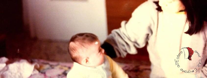 bambino-neonato-anziana