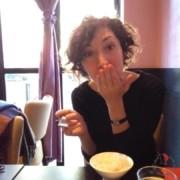ragazza-sorriso-ristorante