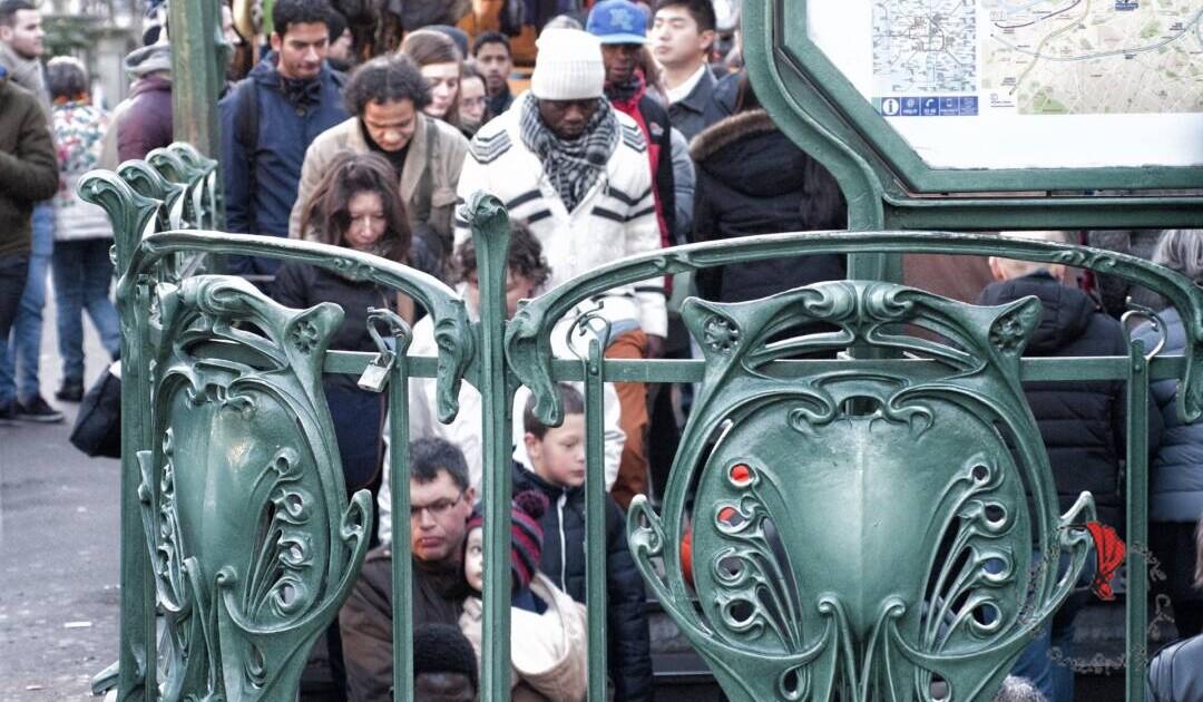 metropolitana a parigi al tempo del covid